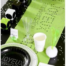 Chemin de table joyeux anniversaire vert anis intissé 5 M