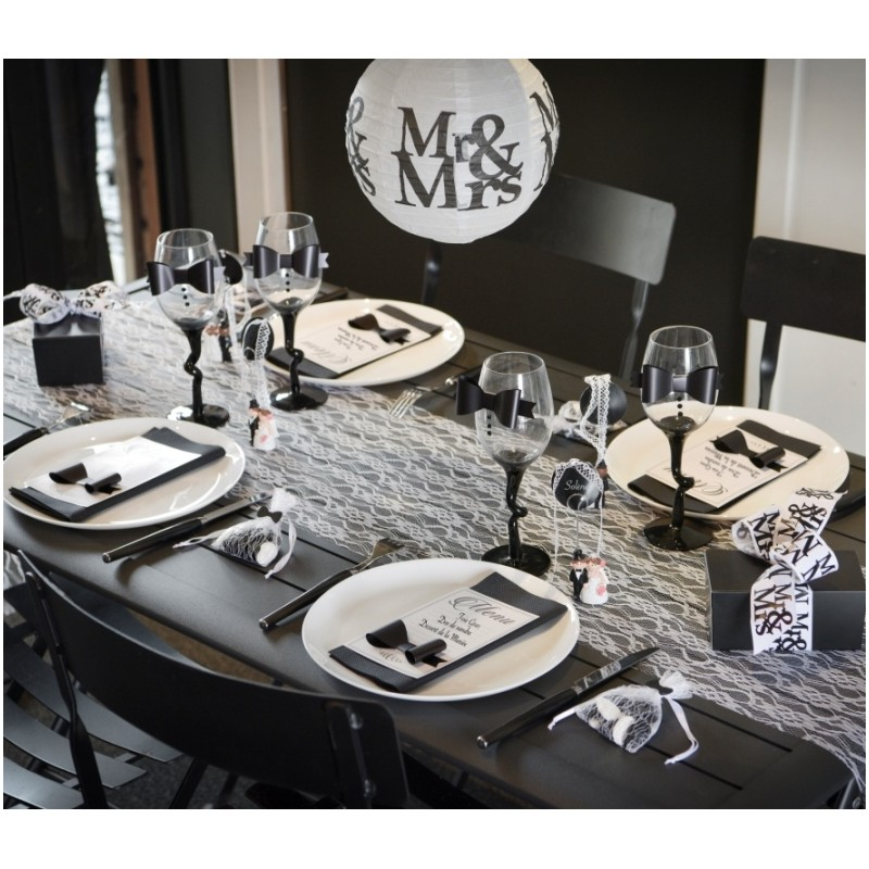chemin de table dentelle blanche chic chemins de table mariage f tes. Black Bedroom Furniture Sets. Home Design Ideas