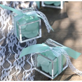 Boîte à dragées cube plexi transparent les 3