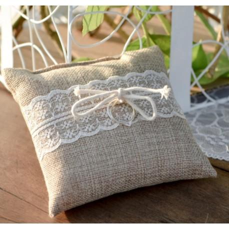 coussin alliance toile de jute et dentelle coussin alliances mariage. Black Bedroom Furniture Sets. Home Design Ideas