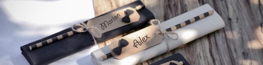 Marque-places, étiquettes et pinces